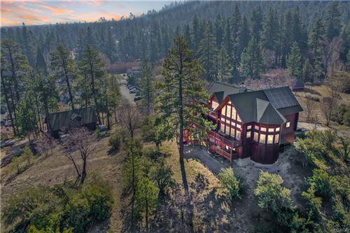 Photo of 861 Cameron Drive, Big Bear Lake, CA 92315 (MLS # 32102680)