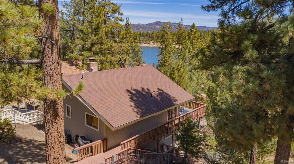 Photo of 724 Cove Drive, Big Bear Lake, CA 92315 (MLS # 32102691)