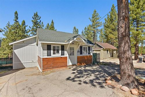 Photo of 40069 Forest Road, Big Bear Lake, CA 92315 (MLS # 31907693)
