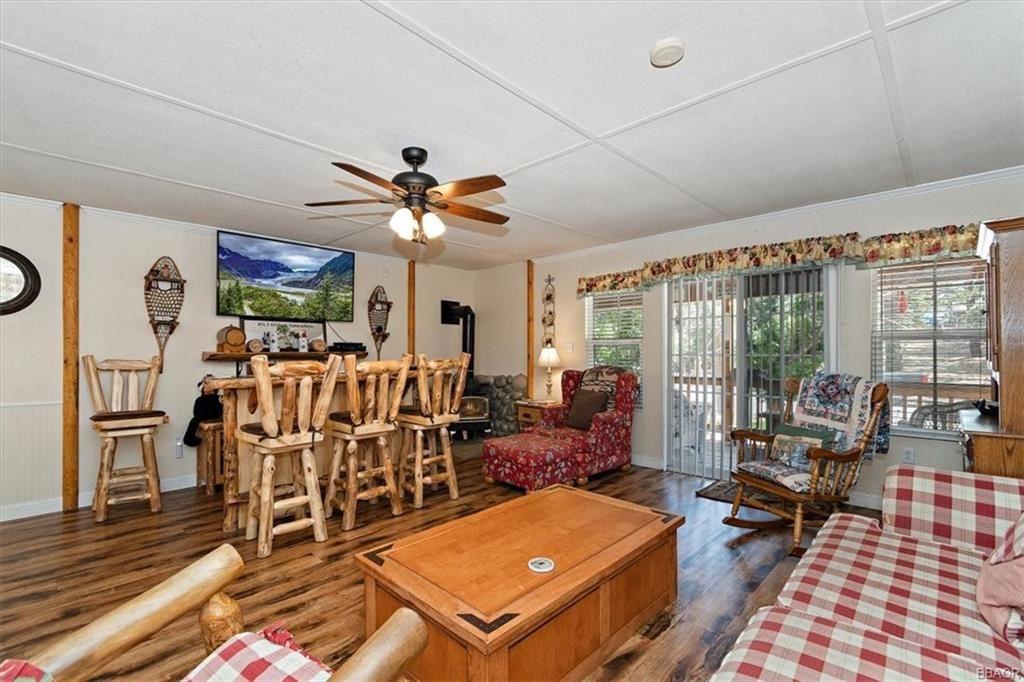 Photo of 704 Temple Lane, Big Bear Lake, CA 92315 (MLS # 32106695)