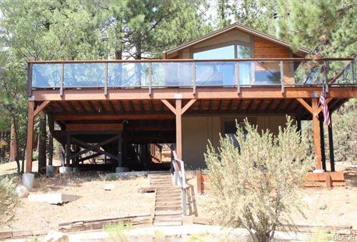 Photo of 43734 Yosemite Drive, Big Bear Lake, CA 92315 (MLS # 32106699)