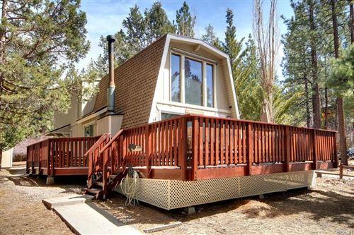 Photo of 431 Tyrol Lane, Big Bear Lake, CA 92315 (MLS # 32102705)