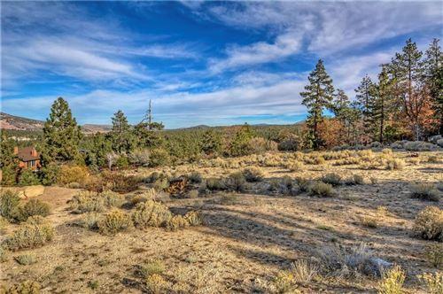 Photo of 405 Glenwood, Big Bear Lake, CA 92315 (MLS # 32102711)