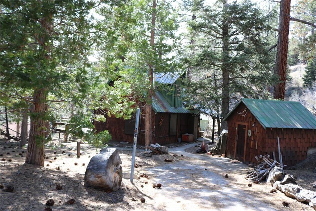 Photo of 329 Pine Hill Drive, Fawnskin, CA 92333 (MLS # 32000713)