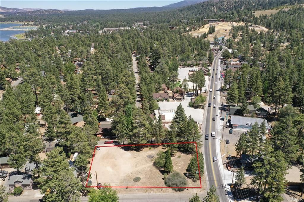 Photo of 40111 Big Bear Boulevard, Big Bear Lake, CA 92314 (MLS # 32002713)