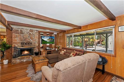 Photo of 526 Temple Lane, Big Bear Lake, CA 92315 (MLS # 32106714)