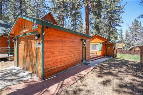 Photo of 42806 Cedar Avenue, Big Bear Lake, CA 92315 (MLS # 32102723)