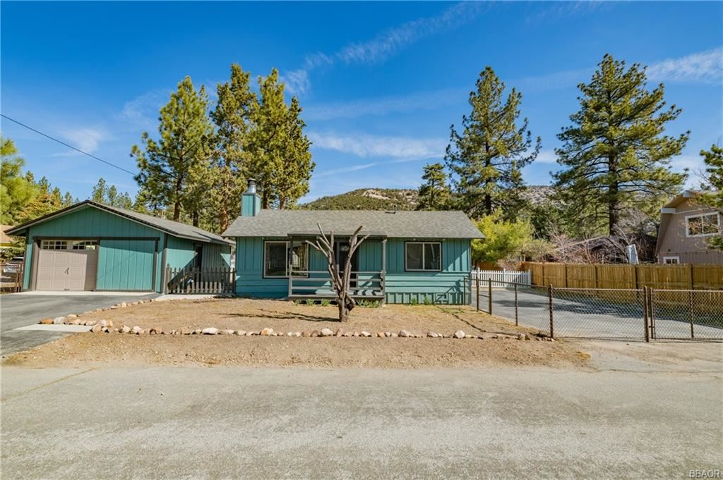 Photo of 1080 Mount Doble Drive, Big Bear City, CA 92314 (MLS # 32102728)