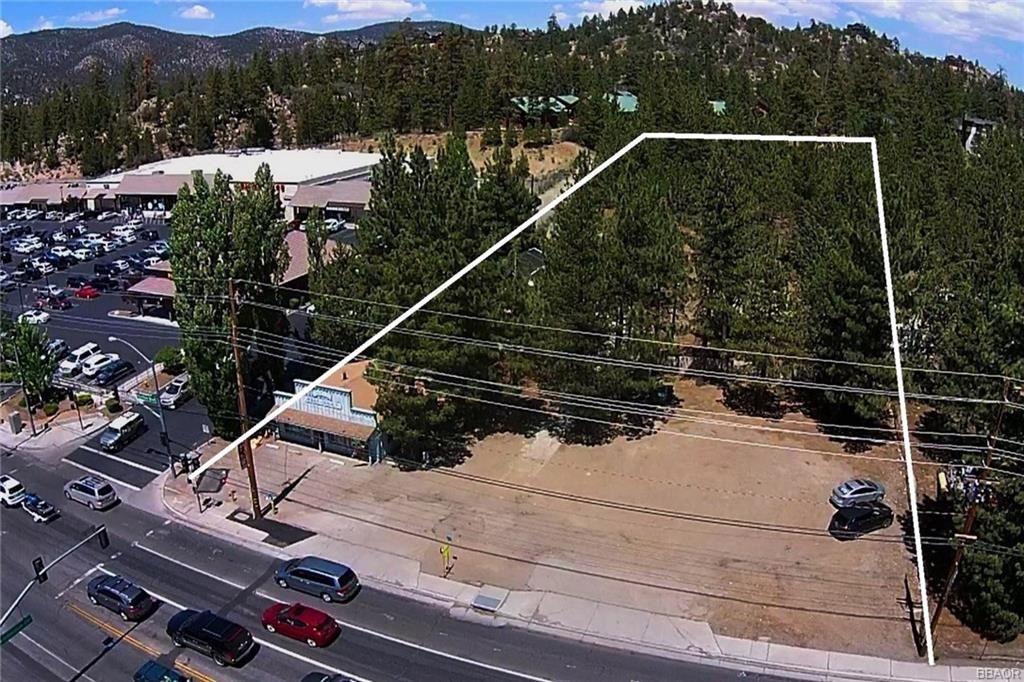 Photo of 42167 Big Bear Boulevard, Big Bear Lake, CA 92315 (MLS # 32000739)