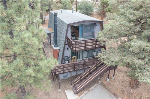 Photo of 42757 Alta Vista Avenue, Big Bear Lake, CA 92315 (MLS # 32106752)