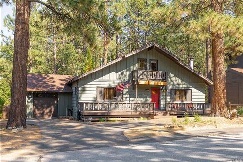 Photo of 637 St Moritz Drive, Big Bear Lake, CA 92315 (MLS # 32002754)