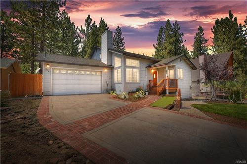 Photo of 308 Oriole Drive, Big Bear Lake, CA 92315 (MLS # 32002759)