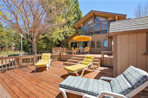 Photo of 39828 Lakeview Drive, Big Bear Lake, CA 92315 (MLS # 32001763)