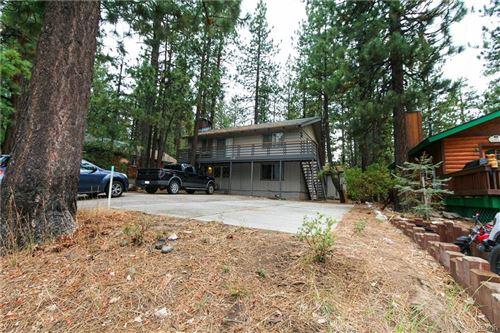 Photo of 732 Summit Boulevard, Big Bear Lake, CA 92315 (MLS # 32106780)