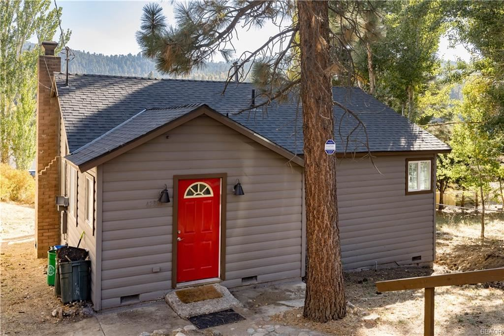 Photo of 42897 Encino Road, Big Bear Lake, CA 92315 (MLS # 32002796)