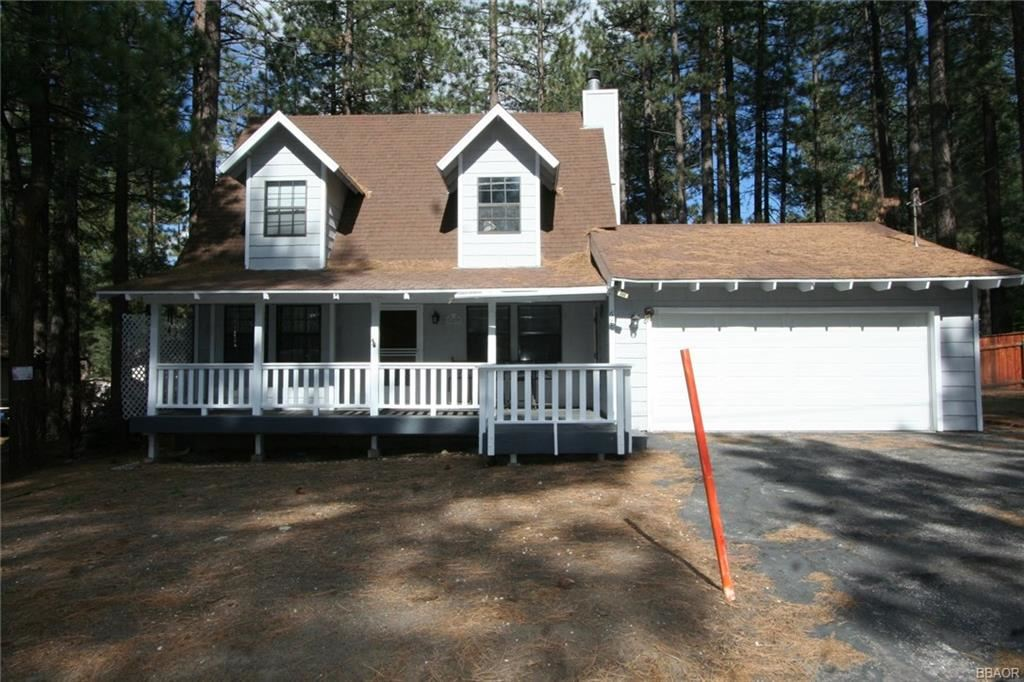 Photo of 689 Golden West Drive, Big Bear Lake, CA 92315 (MLS # 32001816)