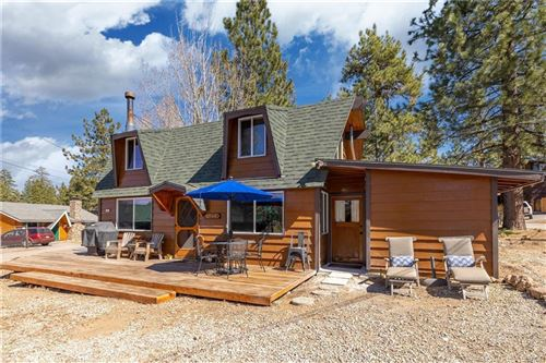 Photo of 647 Bayview Road, Big Bear Lake, CA 92315 (MLS # 32102827)