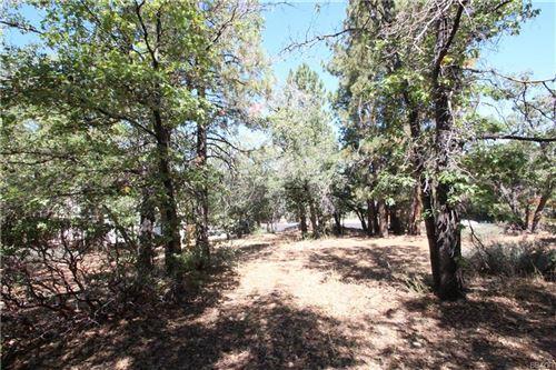 Photo of 1401 Klamath Road, Big Bear City, CA 92314 (MLS # 32002828)