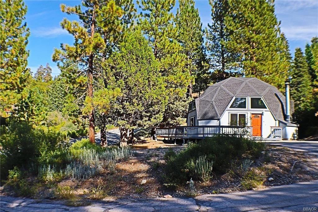 Photo of 1309 Shasta Court, Big Bear Lake, CA 92315 (MLS # 32001840)