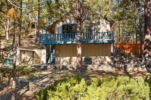 Photo of 417 Gold Mountain Drive, Big Bear City, CA 92314 (MLS # 32102844)