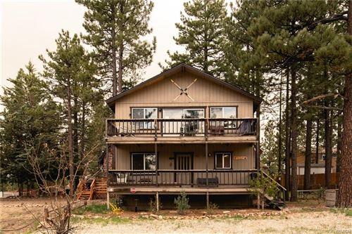 Photo of 464 Boyd Trail, Big Bear Lake, CA 92315 (MLS # 32102847)