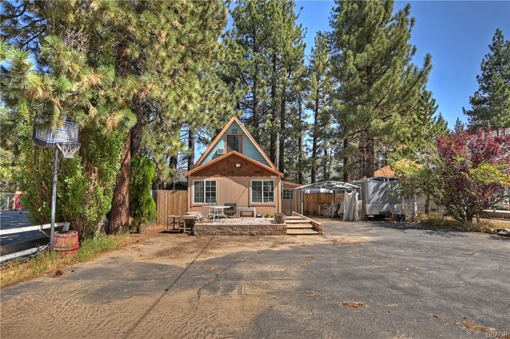 Photo of 413 W Big Bear Boulevard, Big Bear City, CA 92314 (MLS # 32106858)