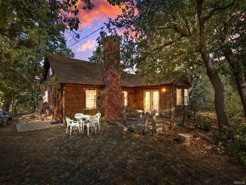 Photo of 554 Wanita Lane, Big Bear Lake, CA 92315 (MLS # 32003862)
