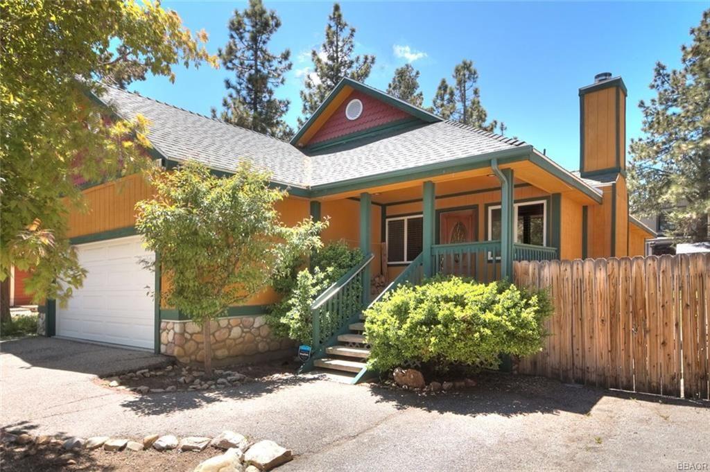 Photo of 142 Leonard Lane, Sugarloaf, CA 92386 (MLS # 32001867)