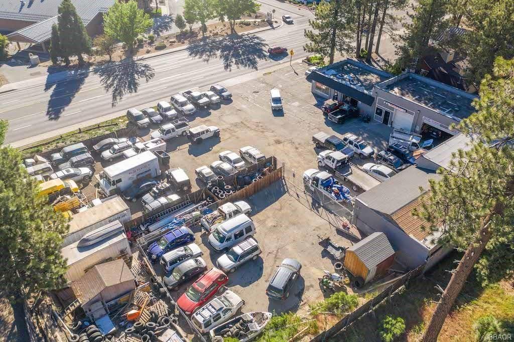 Photo of 42159 Big Bear Boulevard, Big Bear Lake, CA 92315 (MLS # 32106869)
