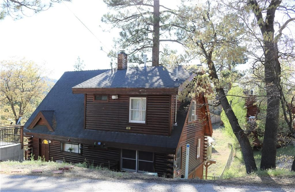 Photo of 1168 Bruin Trail, Fawnskin, CA 92333 (MLS # 32001871)