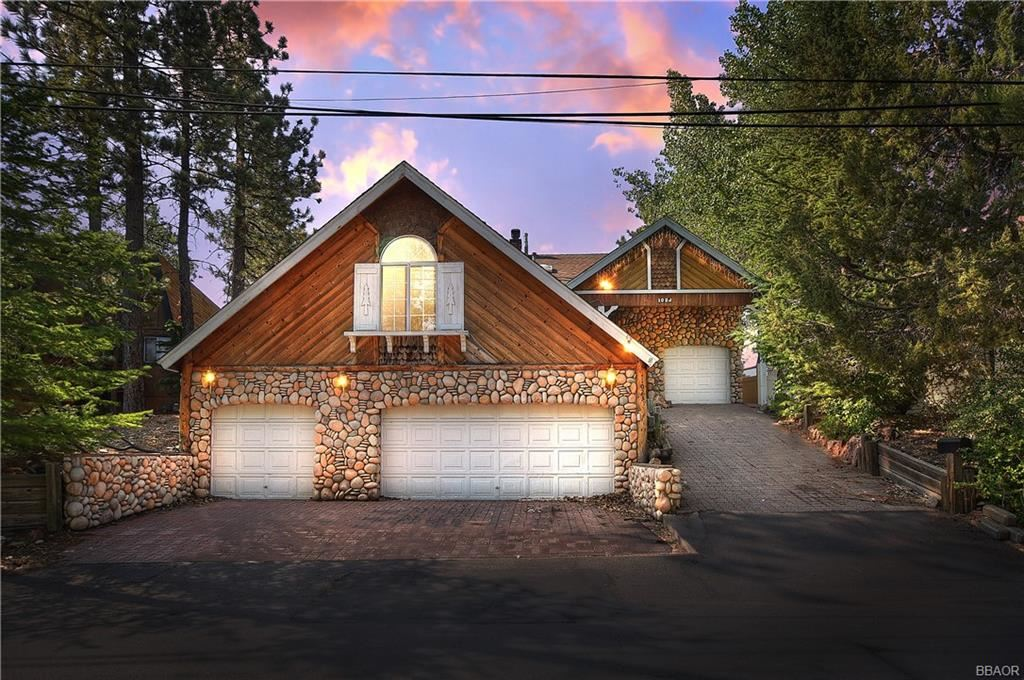 Photo of 1023 Butte Avenue, Big Bear Lake, CA 92315 (MLS # 32003877)