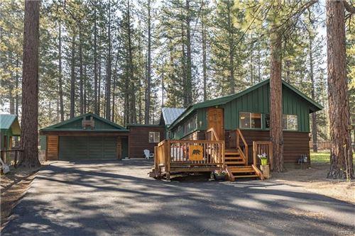 Photo of 735 Edgemoor Road, Big Bear Lake, CA 92315 (MLS # 32001890)