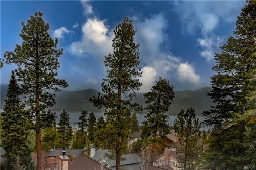 Photo of 40564 Ironwood Drive, Big Bear Lake, CA 92315 (MLS # 32102890)
