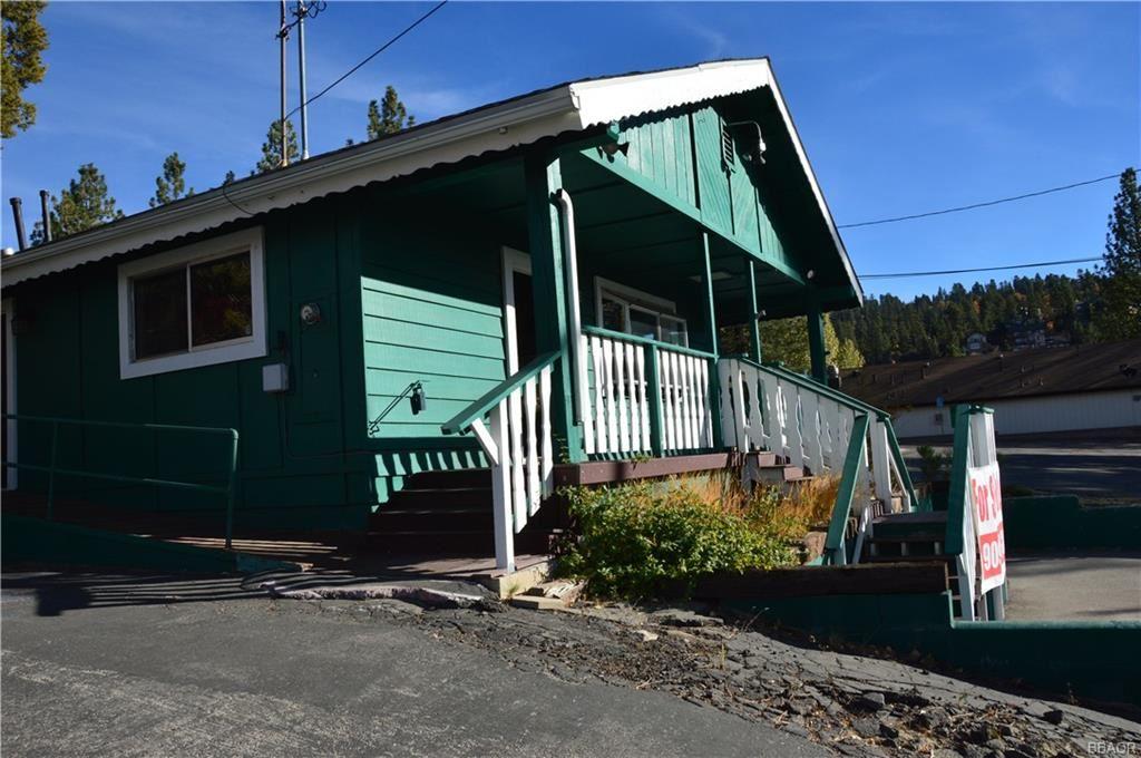 Photo of 559 Bonanza Trail, Big Bear Lake, CA 92315 (MLS # 32106900)