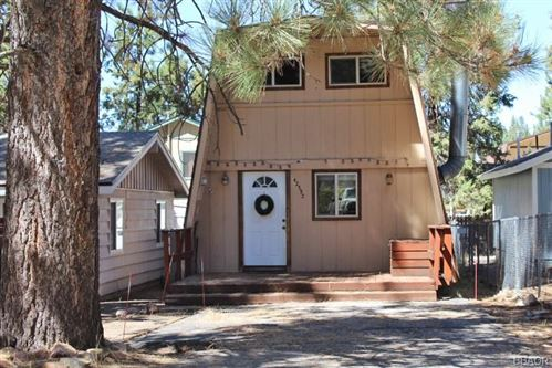 Photo of 42592 Peregrine Avenue, Big Bear Lake, CA 92315 (MLS # 32003911)
