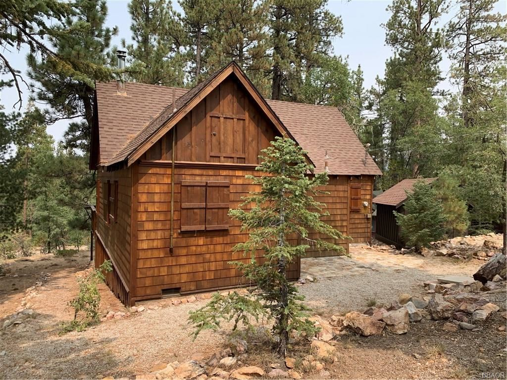 Photo of 31 Mill Creek Road, Big Bear Lake, CA 92315 (MLS # 32003924)