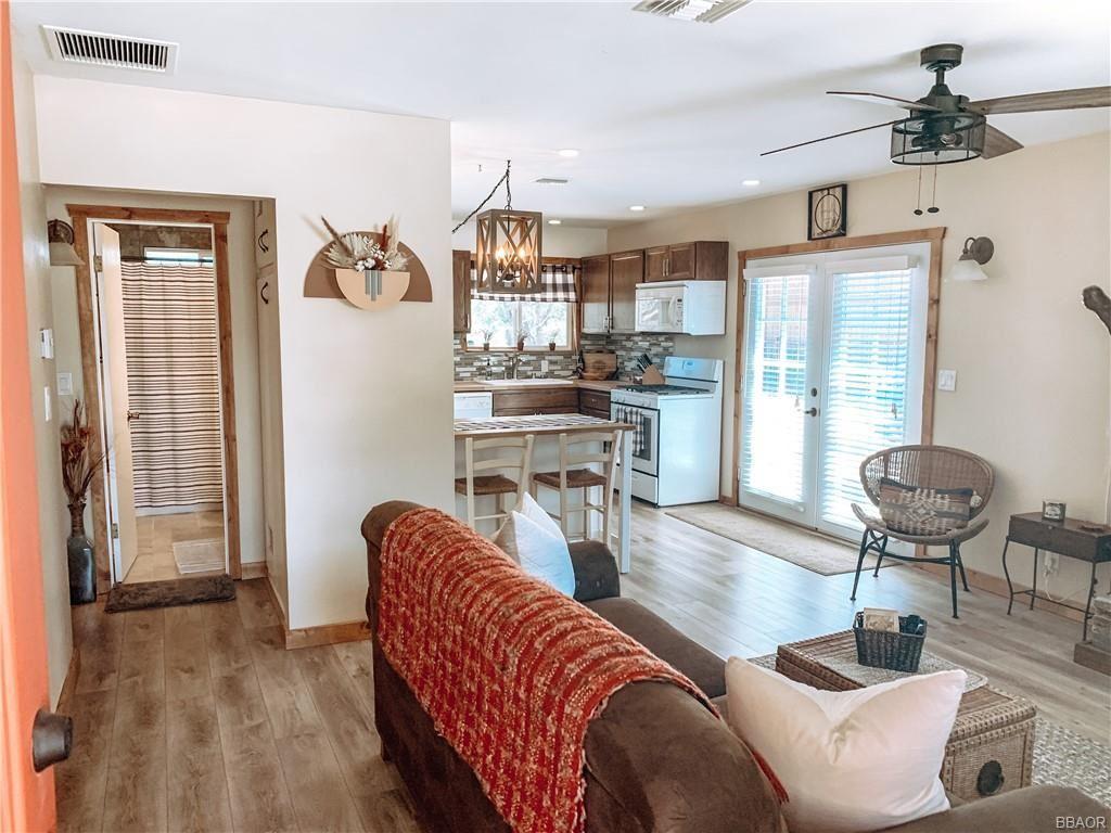 Photo of 629 Villa Grove Avenue, Big Bear City, CA 92314 (MLS # 32106928)