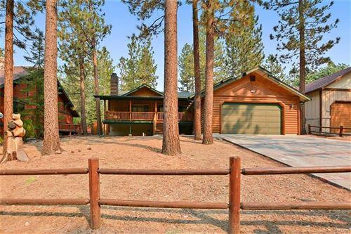 Photo of 920 Alpenweg Drive, Big Bear Lake, CA 92315 (MLS # 32003929)