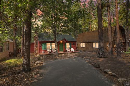 Photo of 42670 La Cerena Avenue, Big Bear Lake, CA 92315 (MLS # 32106937)