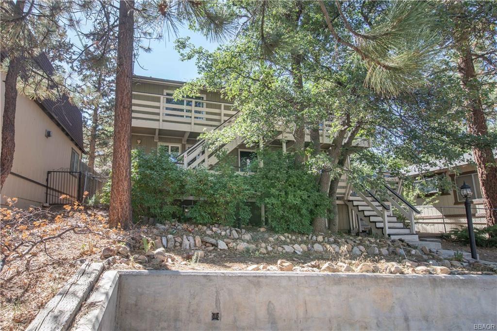 Photo of 760 Spruce Avenue, Sugarloaf, CA 92386 (MLS # 32106954)