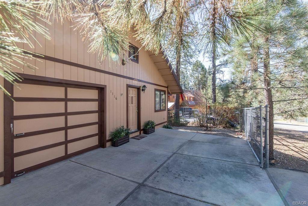 Photo of 1116 Michael Avenue, Big Bear City, CA 92314 (MLS # 32102955)
