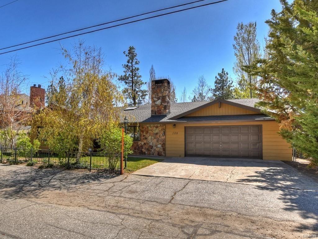 Photo of 108 Finch Drive, Big Bear Lake, CA 92315 (MLS # 32102963)