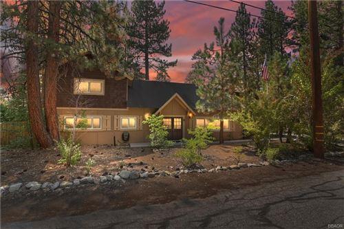 Photo of 612 Timber Lane, Big Bear Lake, CA 92315 (MLS # 32106977)