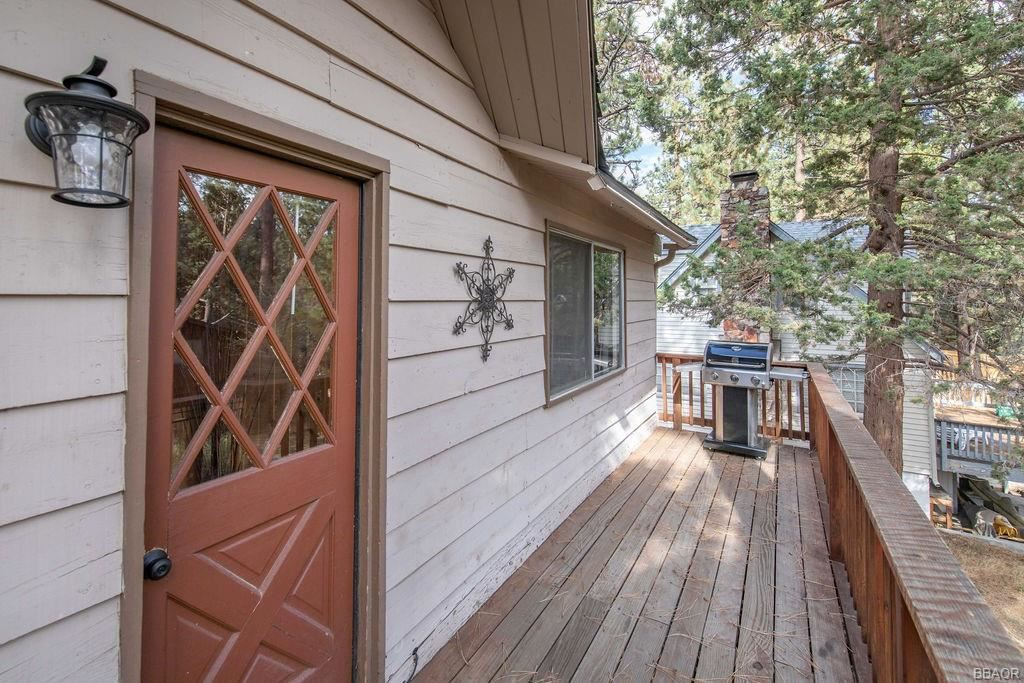 Photo of 42937 Monterey Street, Big Bear Lake, CA 92315 (MLS # 32106984)