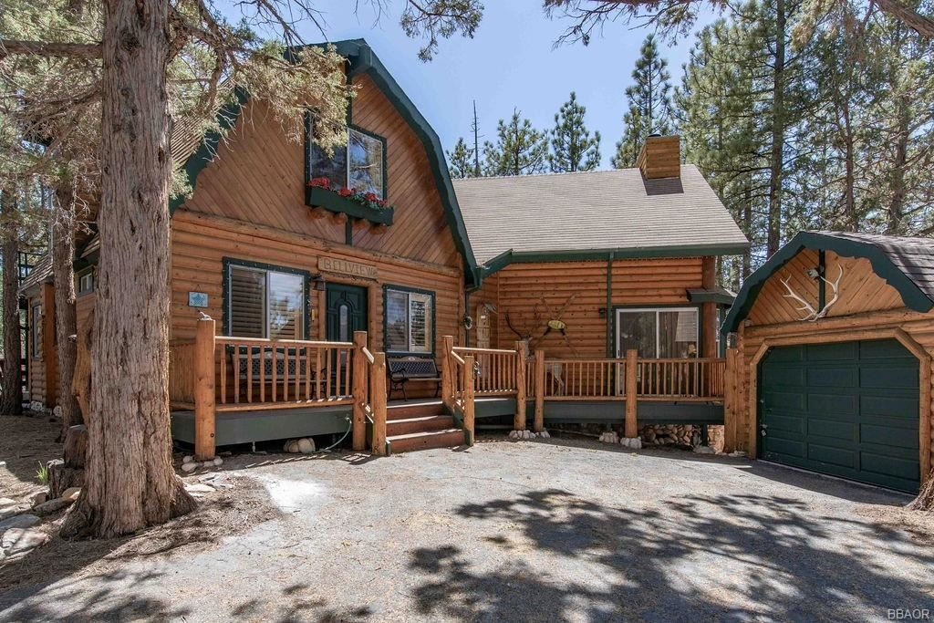 Photo of 473 Catalina Road, Big Bear Lake, CA 92315 (MLS # 32103995)
