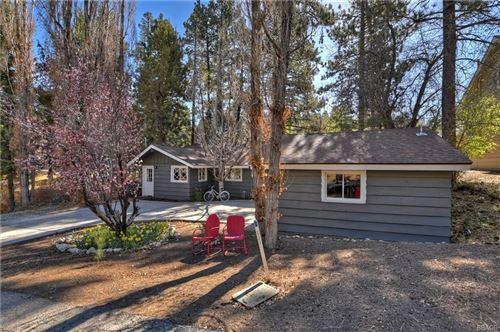 Photo of 1243 Shasta Ln Lane, Big Bear Lake, CA 92315 (MLS # 32103998)