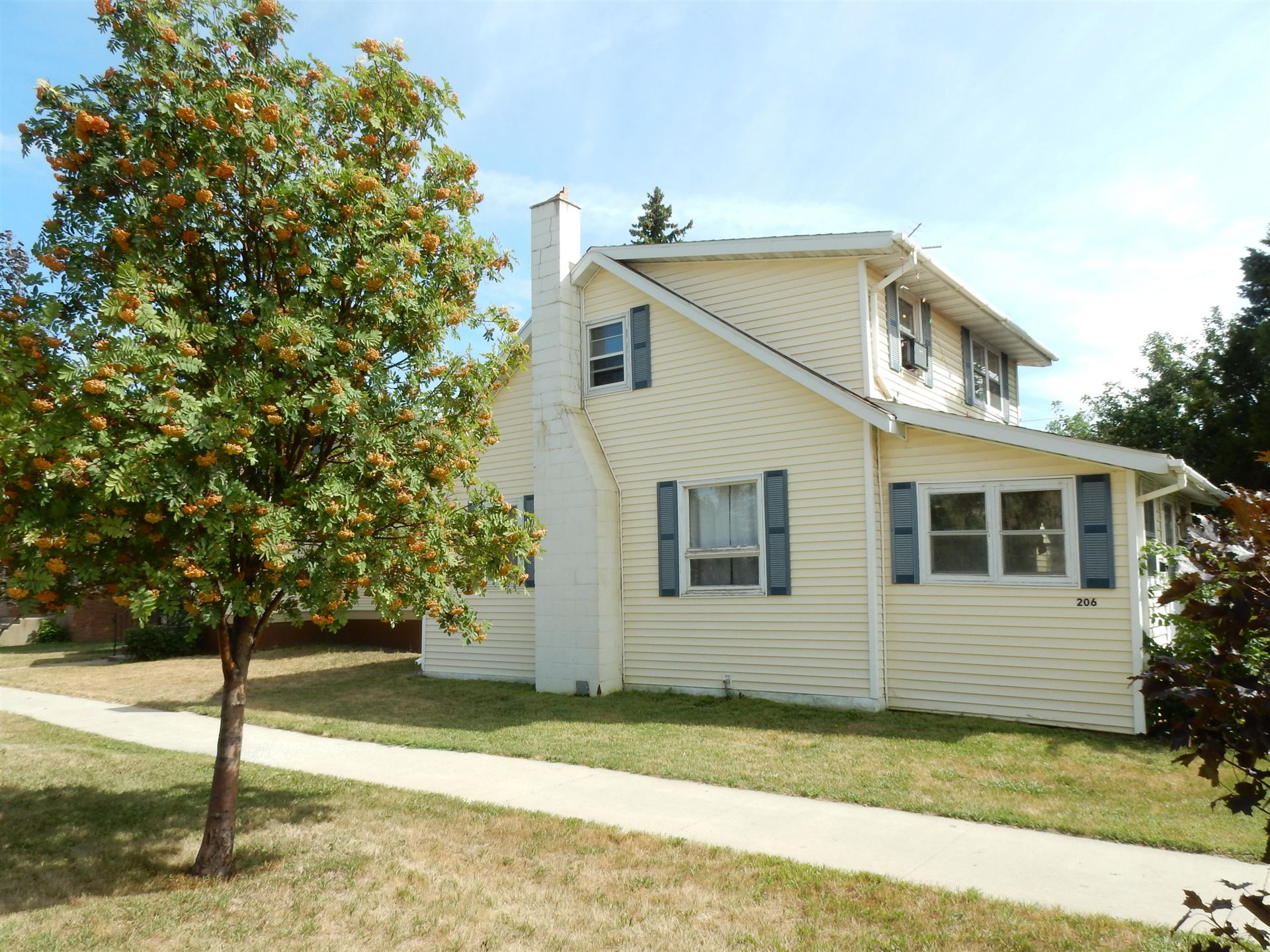 206 Collins Avenue, Mandan, ND 58554 - #: 408037