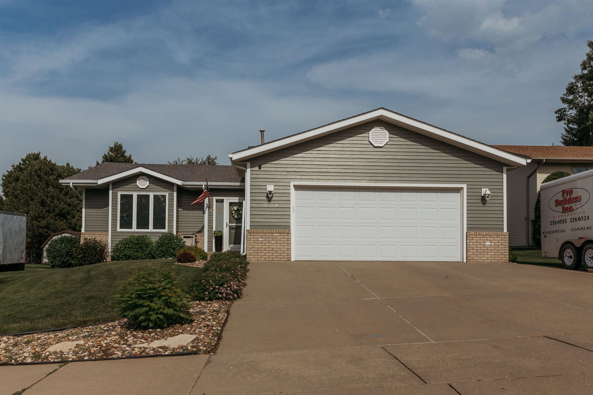 2100 10th Avenue SE, Mandan, ND 58554 - #: 405084