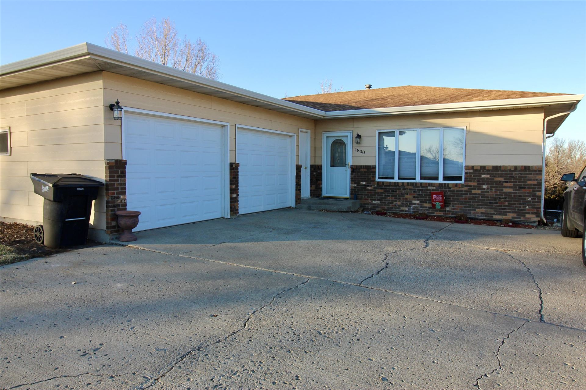 1800 E Divide Avenue, Bismarck, ND 58501 - #: 409090