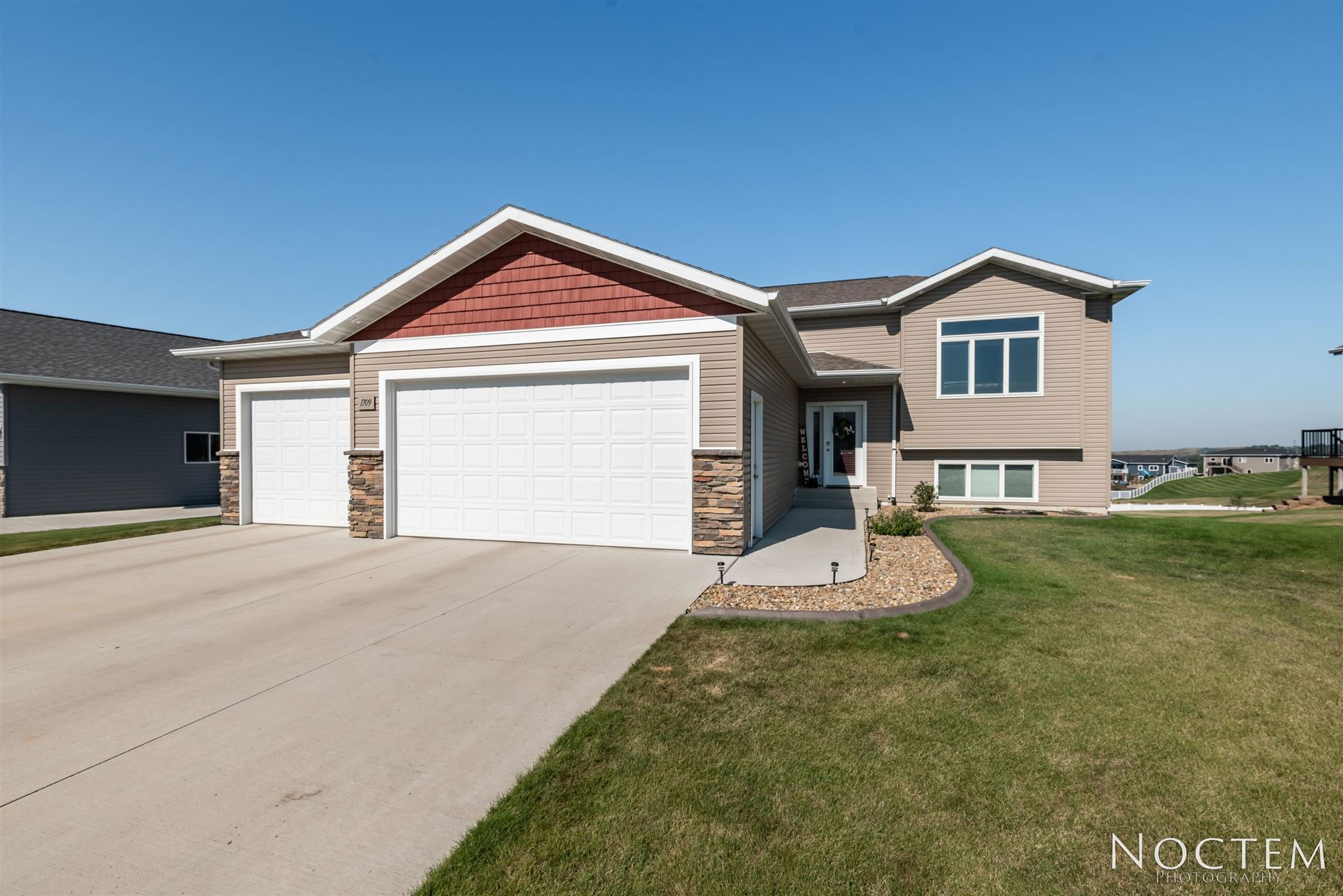 1709 Ridge Drive SE, Mandan, ND 58554 - #: 408142